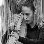 Die Harfenspielerin