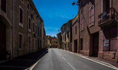 Die Hauptstraße durch unser Dorf