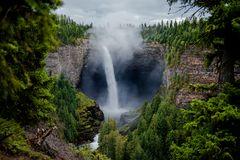 Die Helmcken Falls im Wells Gray Provincial Park