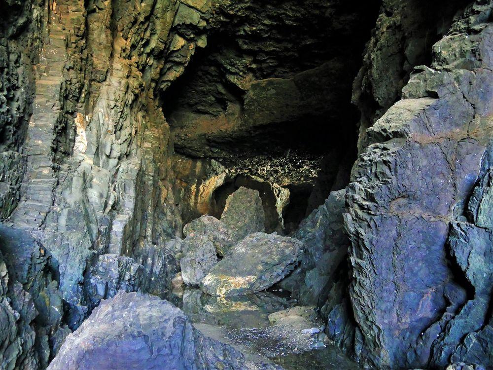 - die Höhlen von Ajuy ...