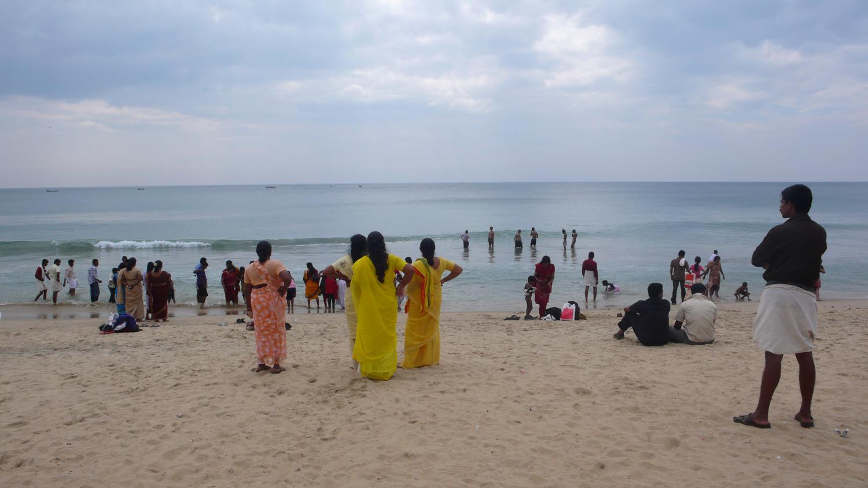 Die indische Art den Strand zu erleben