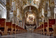 Die Innenansicht der Kathedrale von Matera