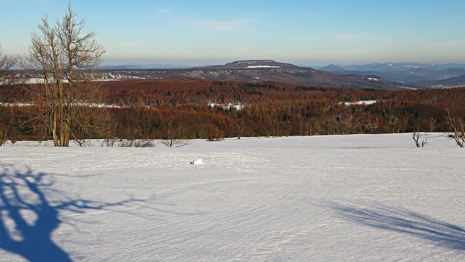 Die jeweils höchsten der Böhmischen-und der Sächsischen Schweiz gemeinsam im Bild