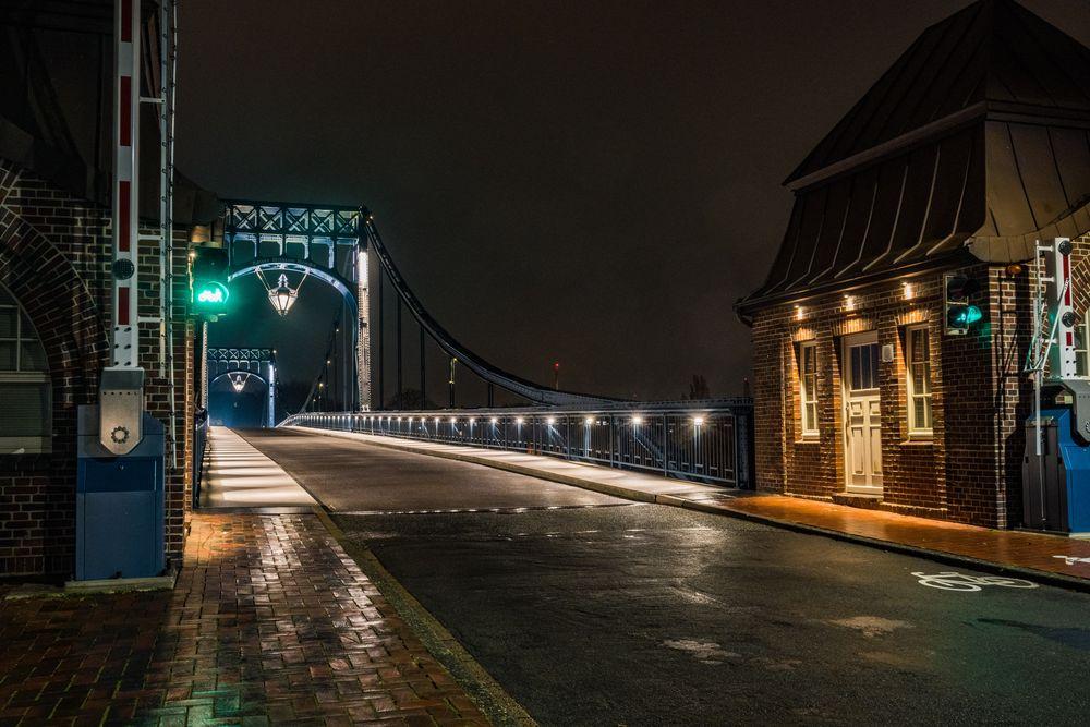 Die Kaiser-Wilhelm-Brücke.