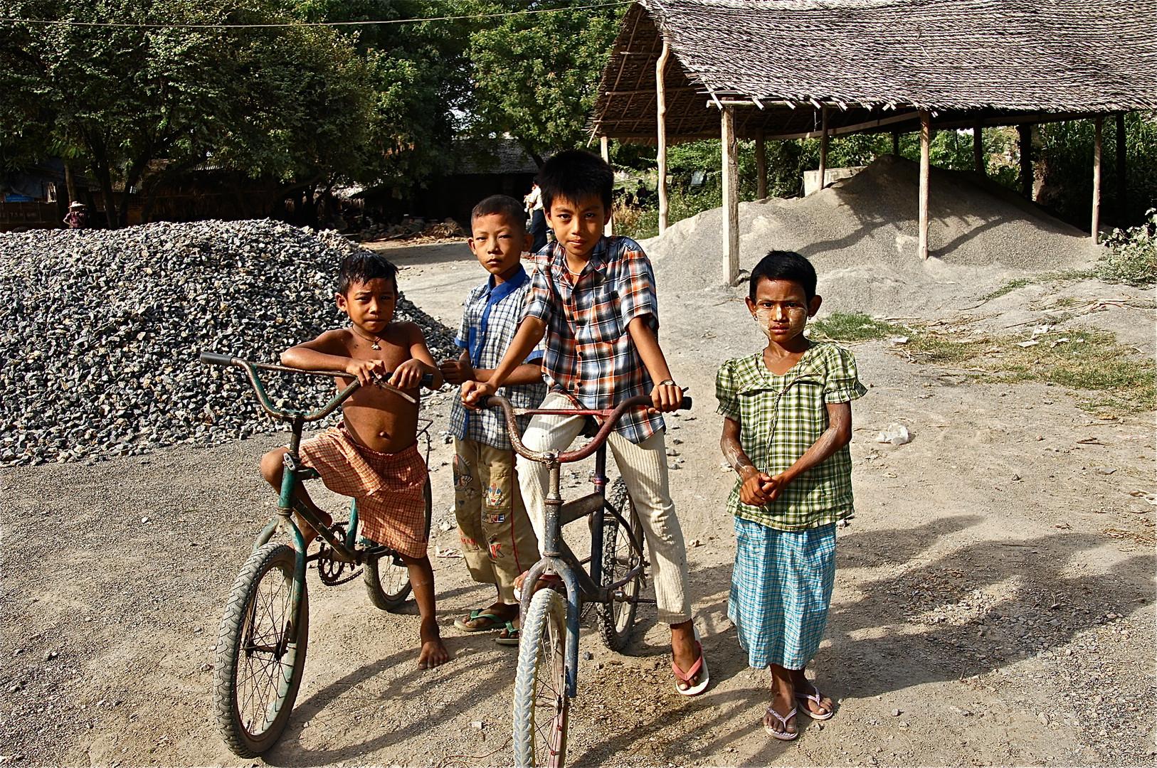 die kinder des steinbruchs, burma 2011