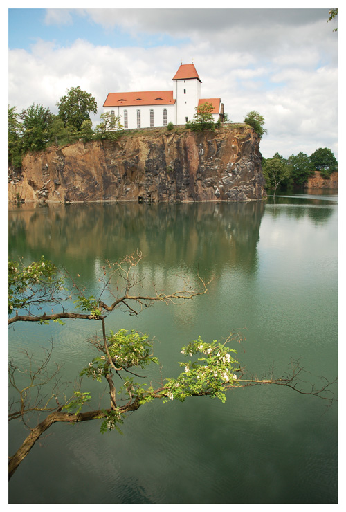 Die Kirche auf dem Wasser