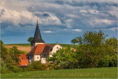 Die Kirche im Dorf