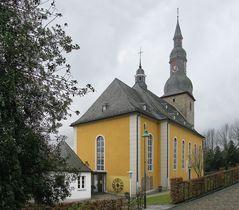 die Kirche von aussen