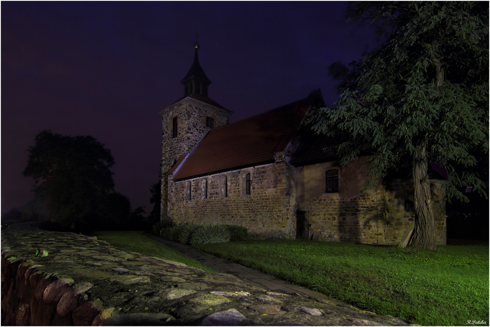 Die Kirchenmauer...