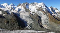 Die klassische Zermatter Sicht vom Gornergrat ohne Wolken und bis zum Gletscher herunter...