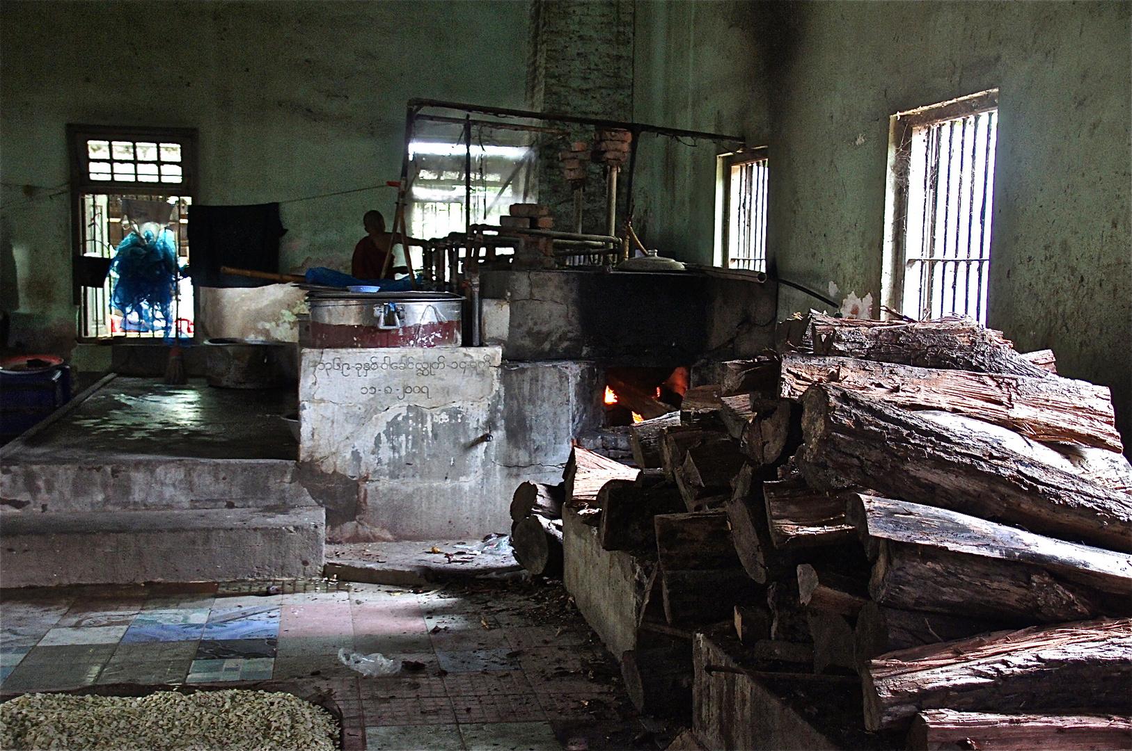 die klösterliche teeküche, amarapura, burma 2011