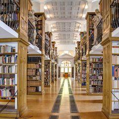 Die Klosterbibliothek von Kloster Marienstatt ...