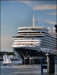 die Königin zu Besuch in Kiel