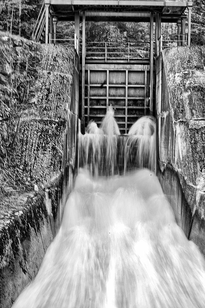 Die Kraft des Wasser sw