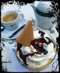 Die Krönung mit Eis und Kaffee