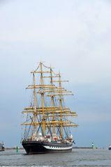 """Die """"Kruzenstern"""" zur Hanse Sail 2013 in Rostock"""