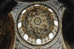 Die Kuppel der Nikolauskirche