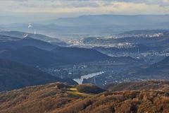 Die Labe (Elbe) gleich zwei mal in Böhmen von der Bukova hora zu sehen