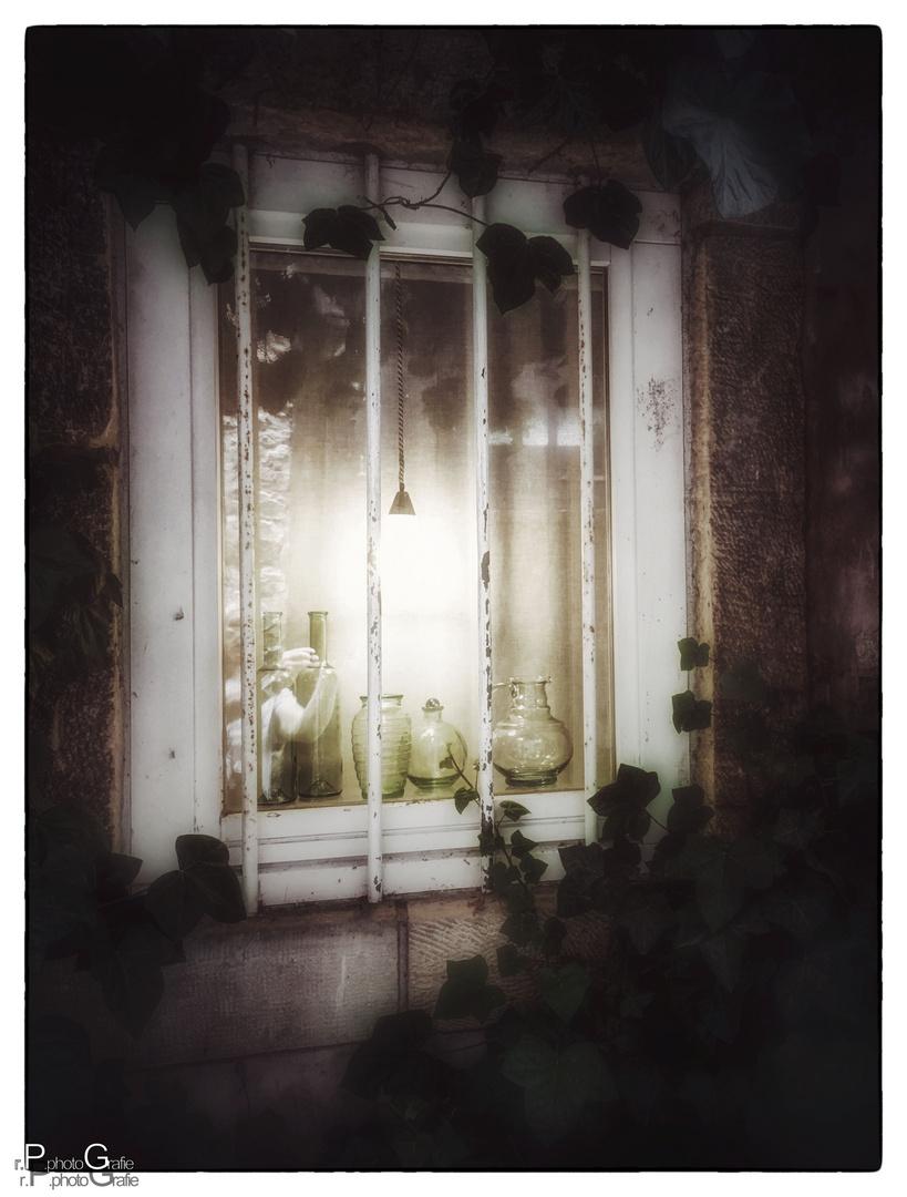Die Lampe im Fenster