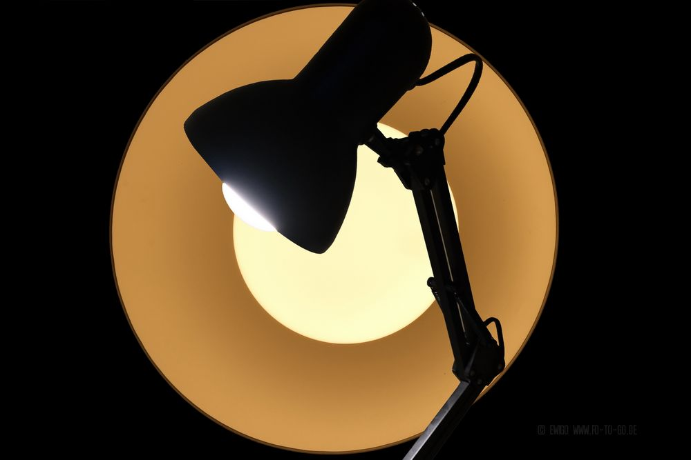 Die Lampe im Licht
