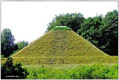 Die Landpyramide  ..