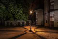 Die Laterne vor der Kastorkirche