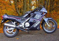 Die Legendäre Yamaha FZ 750 / 5 Ventile Baujahr 1990