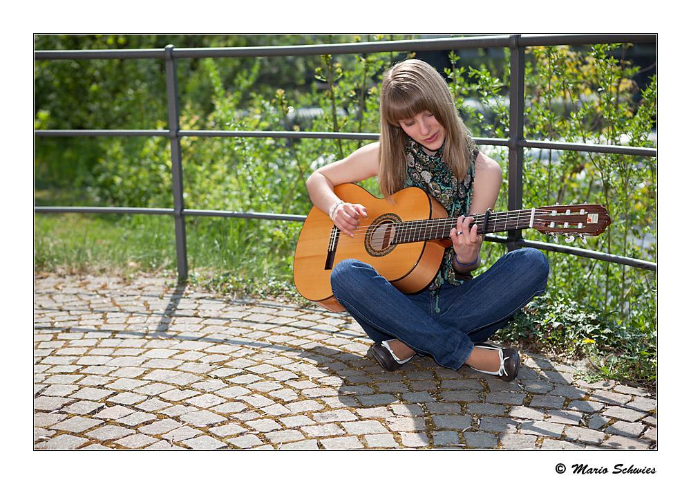 Die Lena und ihre Gitarre