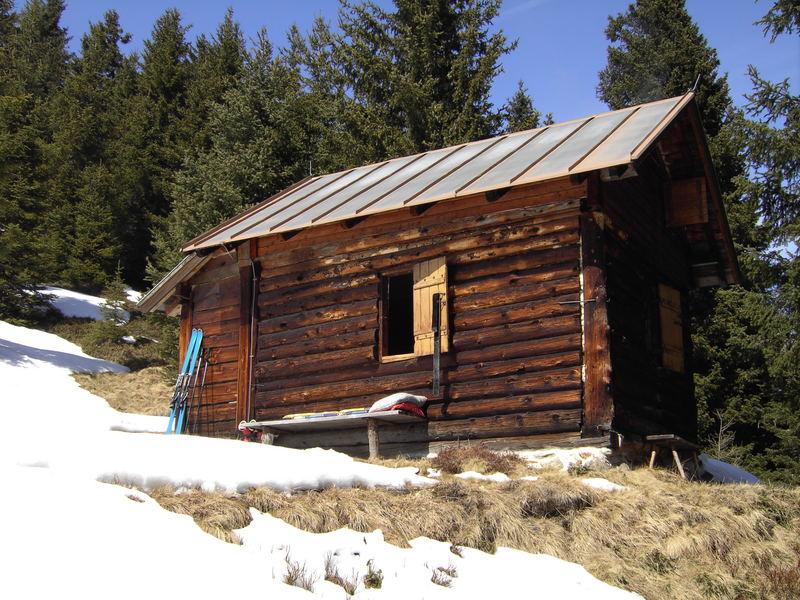 die Letzte Schitour endete bei der Hütte