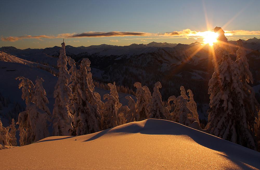 Die letzten Sonnenstrahlen am Berg