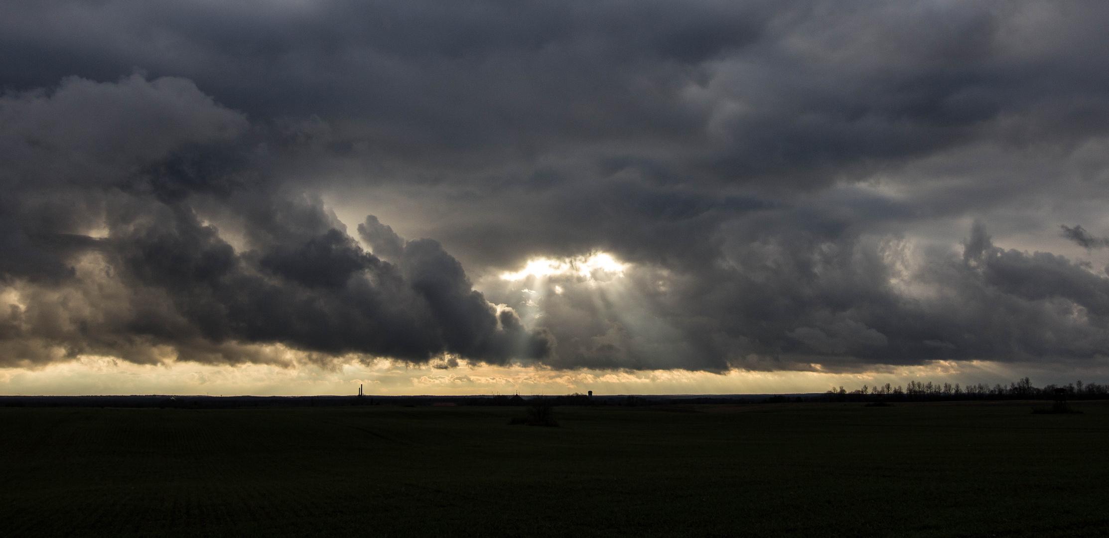 ... die letzten Sonnenstrahlen des Tages ...