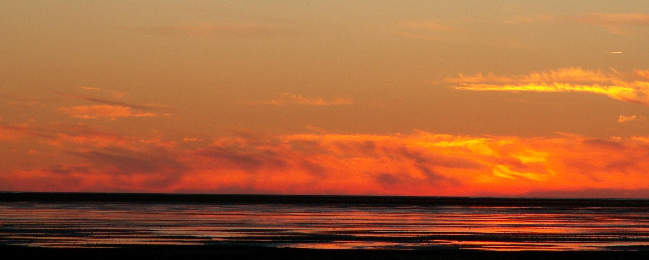 Die letzten Sonnenstrahlen über der nordsee