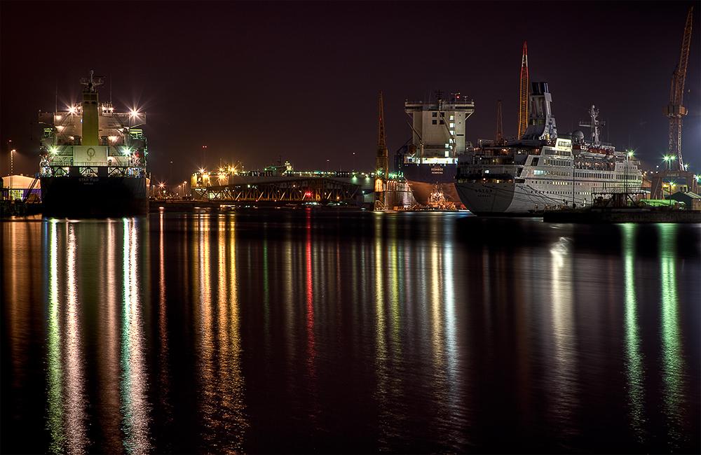 Die Lichter im Hafen