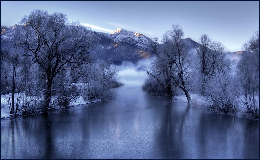 Die Loisach im tiefsten Winter