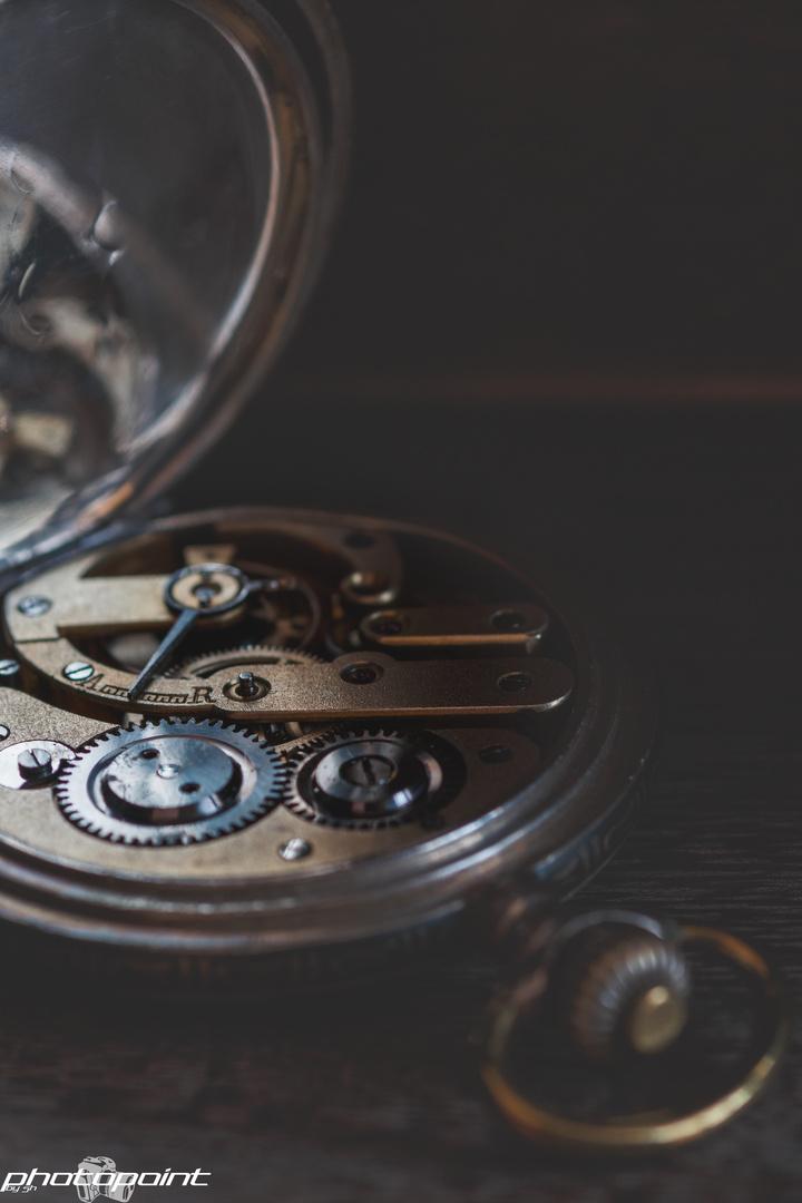 Die Mechanik der Zeit
