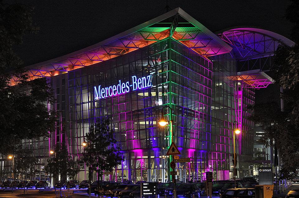 Die Mercedes-Welt (02)