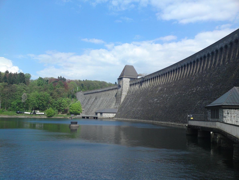 Die Möhnesee Staumauer