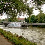 Die Murinsel in Graz ...
