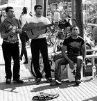 Die Musiker sind in der Stadt