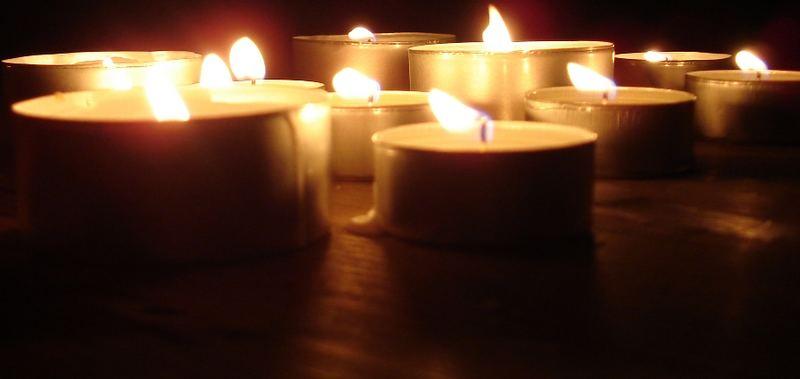 Die Nacht im Schein der Kerzen