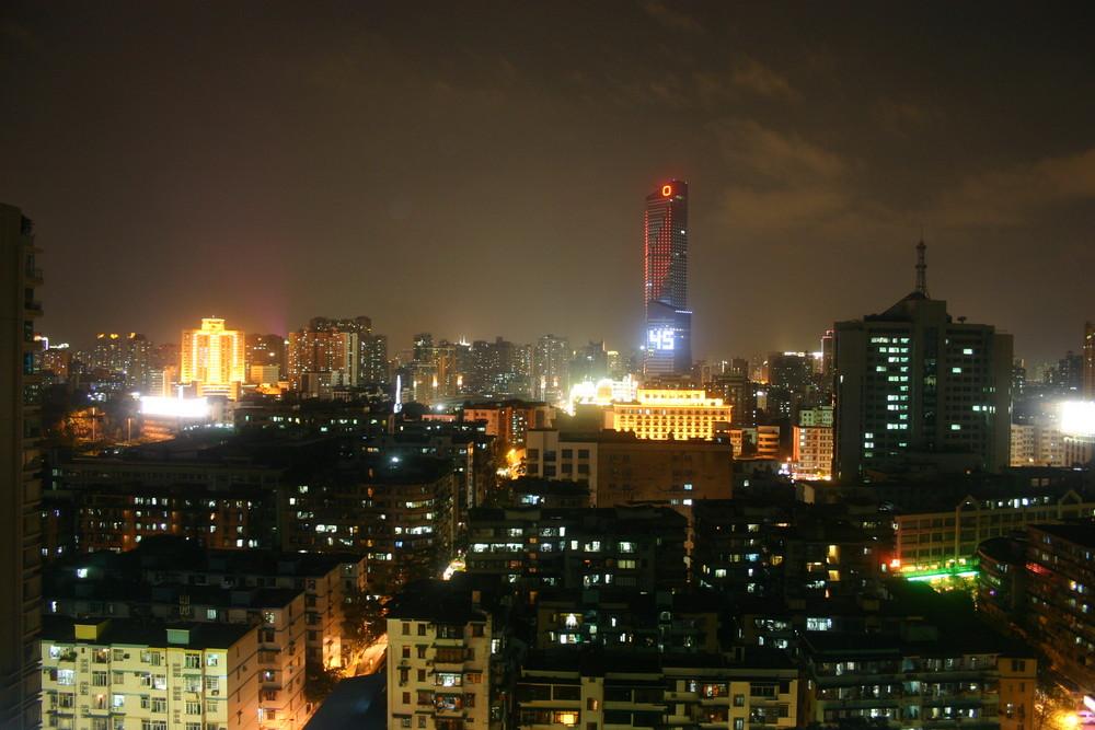 Die Nacht senkt sich über Guangzhou