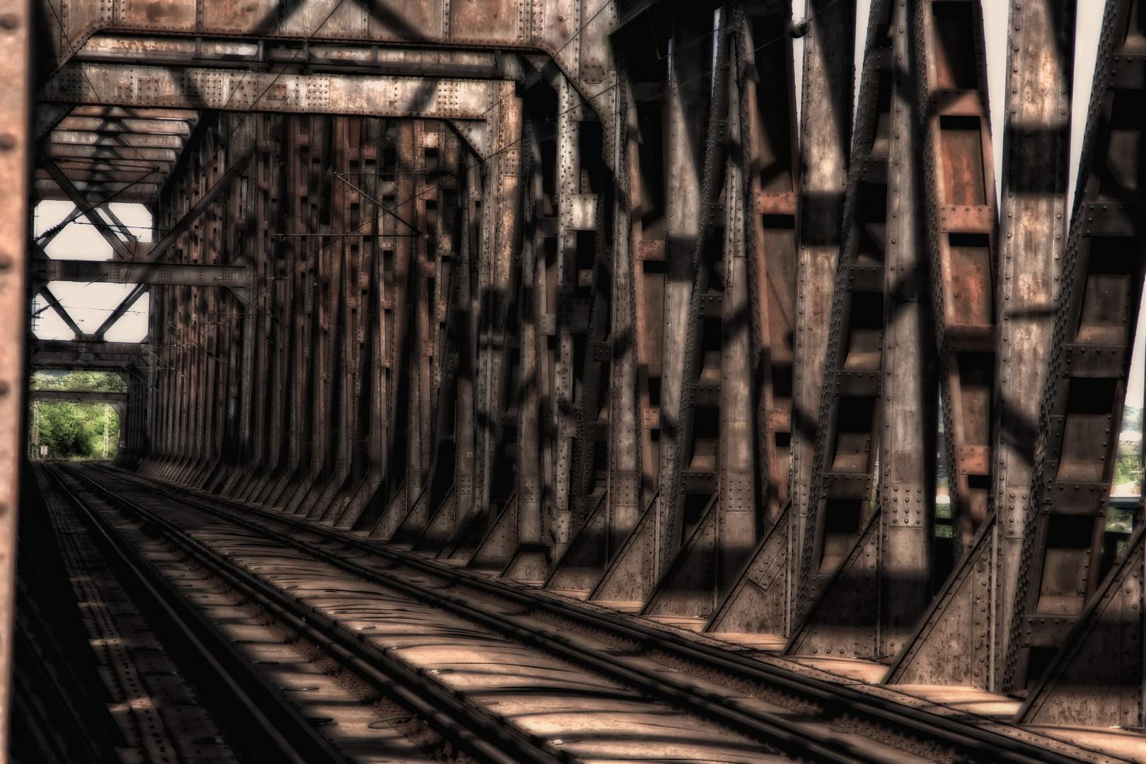 Die Nachtmahr-Brücke