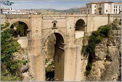 Die 'Neue Brücke' auf Stadtebene