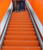 die orange - rote Treppe