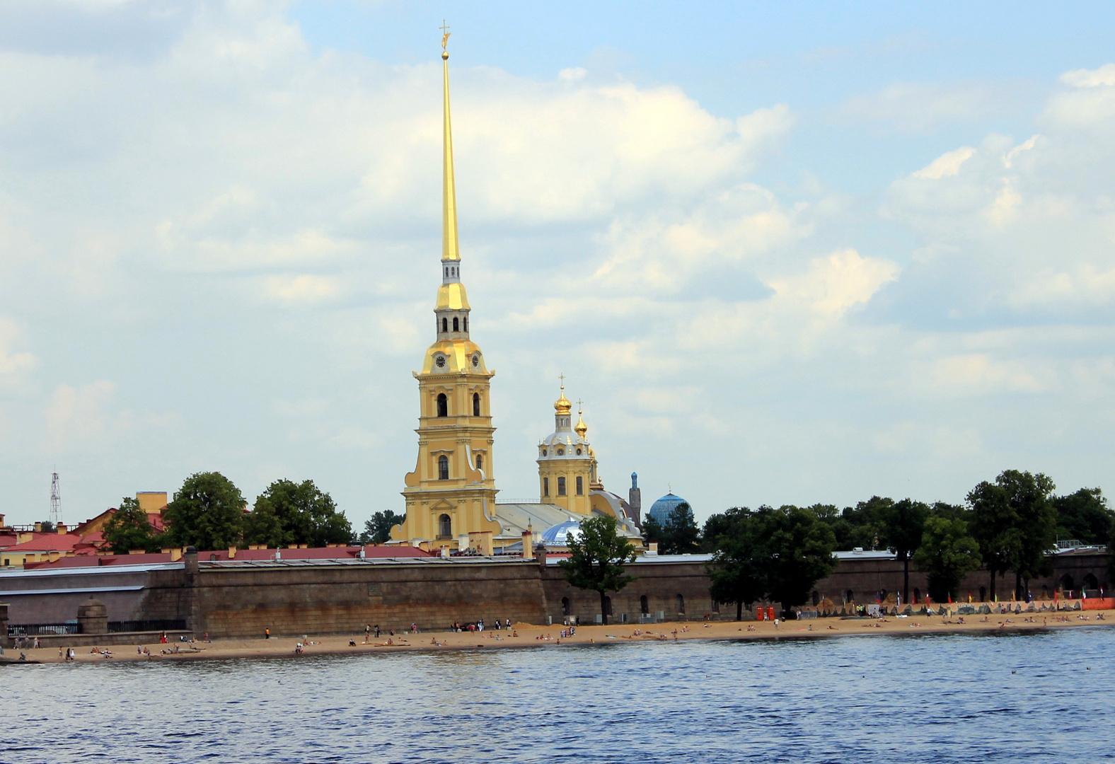Die Peter-Paulfestung am Neva in St. Petersburg