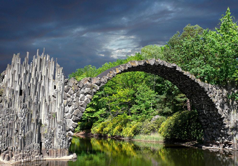 """Die Rakotzbrücke im Kromlauer Park oder im Volksmund """"Teufelsbrücke"""""""