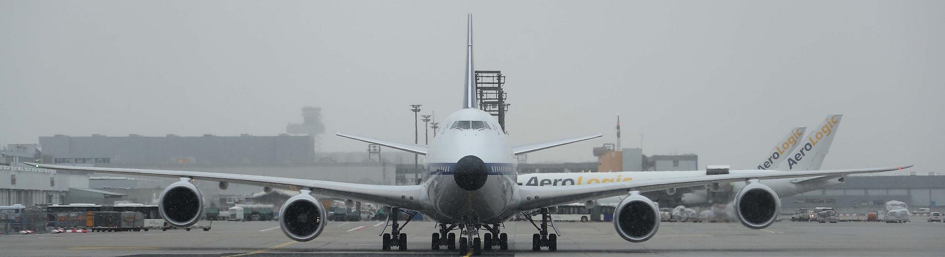 """Die """"Retro"""" 747-8i Lufthansa"""