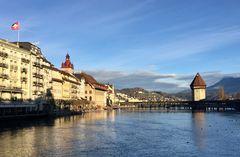 Die Reuss & die Altstadt ...