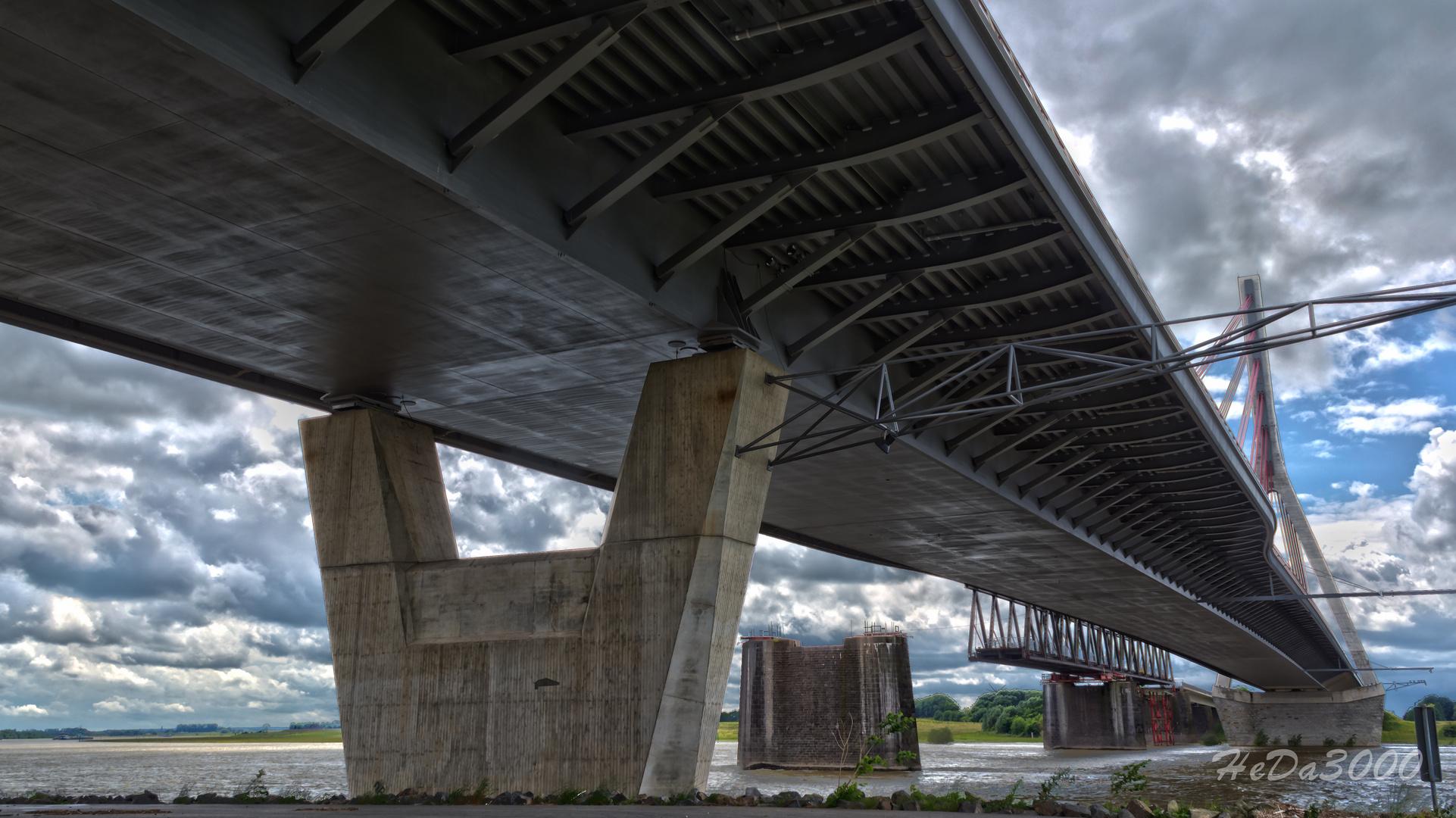Die Rheinbrücke von Wesel 003