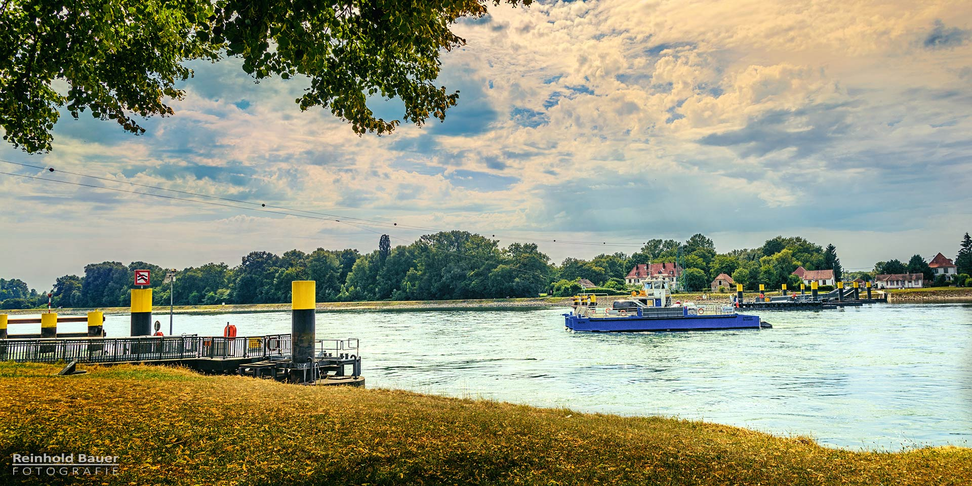 Die Rheinfaehre bei Plittersdorf
